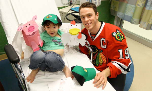 Blackhawks Lightworker Jonathan Toews visits a young hockey fan at Lurie Childrens Hospital.